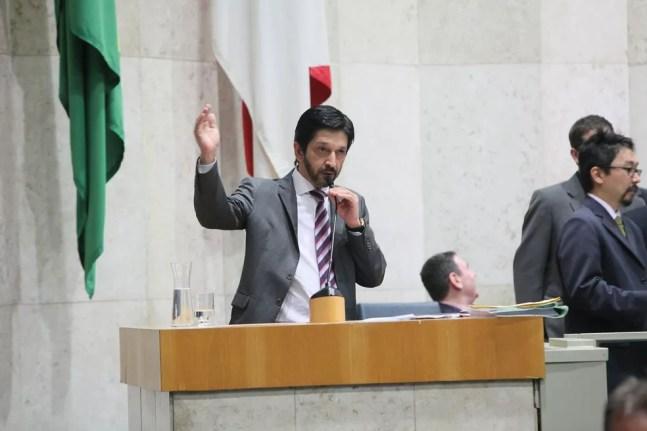 O vereador Ricardo Nunes (MDB) discursa no plenário da Câmara Municipal de São Paulo quando era vereador. — Foto: Divulgação/CMSP