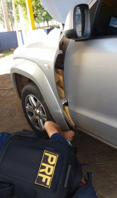 Droga estava escondida em locais de difícil localização no interior do veículo (Foto: PRF/Divulgação)
