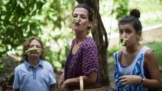 Gabriela Kapim com os filhos, Sofia e Antonio (Foto: Geraldo Pestalozzi)