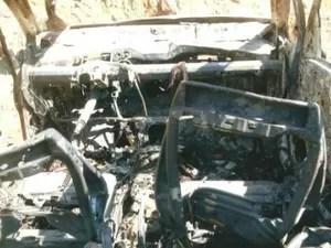 Taxista encontra carro incendiado após ser roubado em Sorocaba (Foto: Arquivo pessoal)