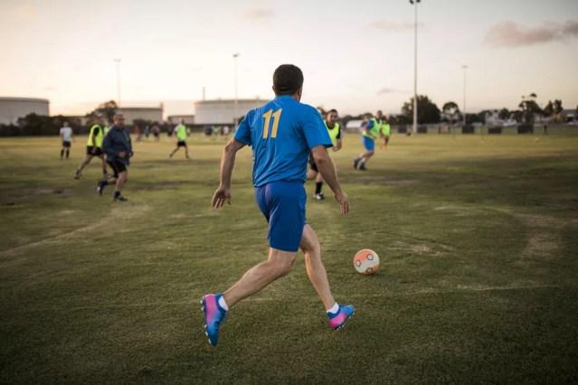 Atletas de fim de semana não recebem os mesmos benefícios para a saúde dos esportistas regulares, mas ao menos dão um passo para longe do sedentarismo — Foto: Istock Getty Images