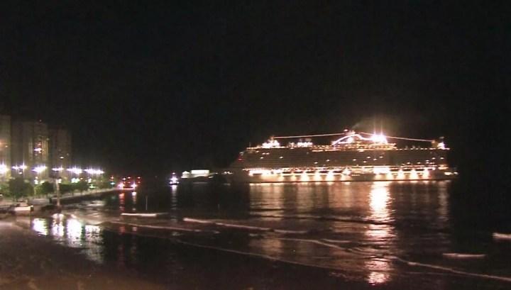 Seaview chegou ao Porto de Santos durante a madrugada — Foto: Reprodução/TV Tribuna