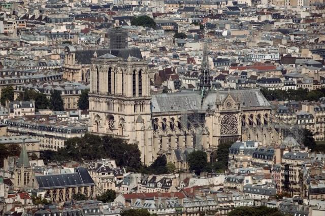 Imagem de arquivo mostra a Catedral de Notre-Dame em julho de 2018, em Paris — Foto: Thomas Samson/AFP