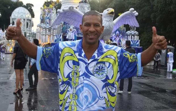 djalminha águias de ouro carnaval 2013 (Foto: Marcos Bezerra/Futura Press/Agência Estado)