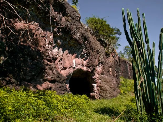 Cavernas ficam em uma propriedade privada  (Foto: Miguel Burei/ Arquivo pessoal)