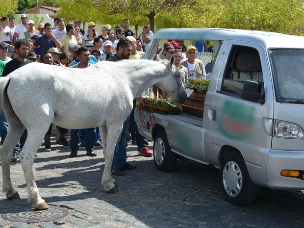 Irmão do vaqueiro morto disse que vai adotar o cavalo e manter o animal com a família (Foto: Kyioshi Abreu/ Arquivo Pessoal)