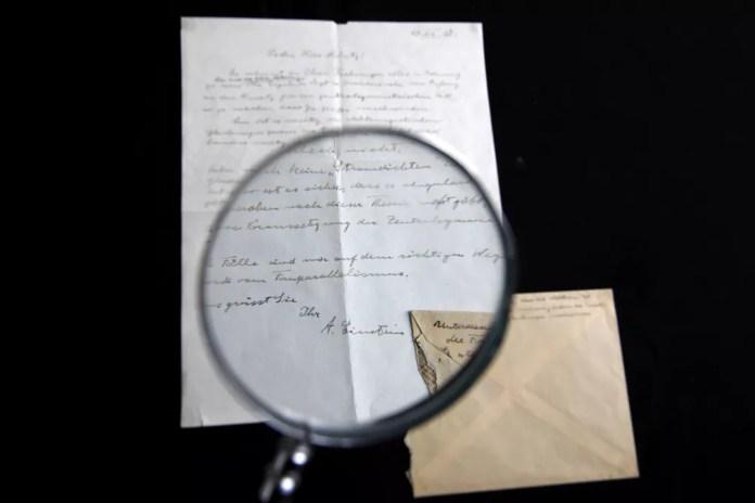 Pessoa que comprou a relíquia preferiu ter a identidade preservada (Foto: Menakem Kahana/AFP)