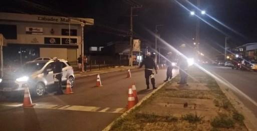 Blitz da Lei Seca autua 25 motoristas na Zona Sul de Natal — Foto: Divulgação/PM