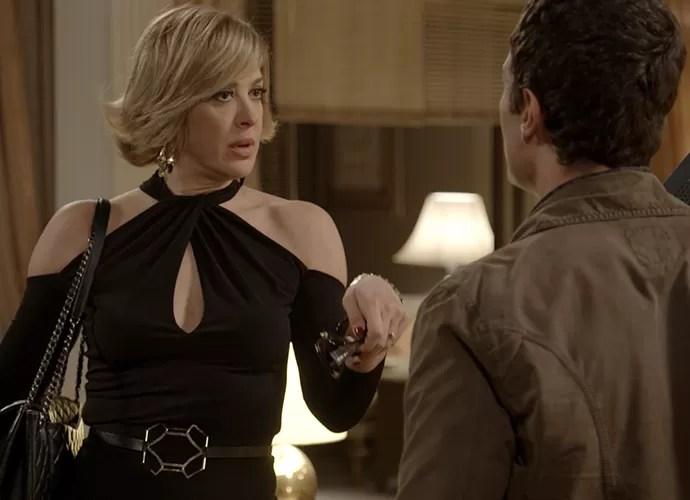 Claudia Raia fica furiosa ao descobrir armação de Luís Fernando (Foto: TV Globo)