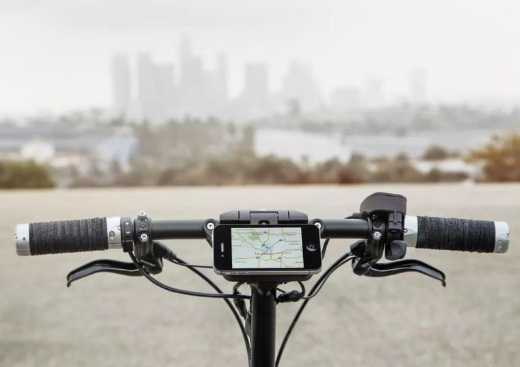 Mini Citysurfer pode usar celular como painel — Foto: Mini/Divulgação