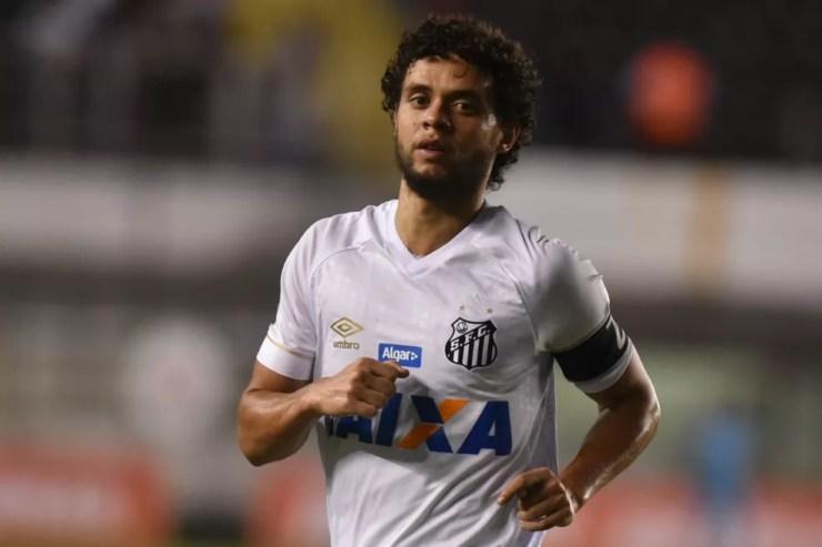 Victor Ferraz pode ser envolvido em troca com Tréllez — Foto: Ivan Storti   Santos FC l divulgação