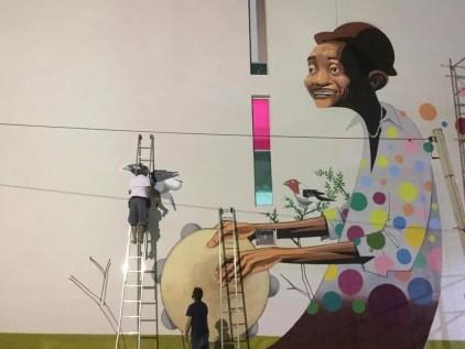 Homenagem em forma de grafite na parede do prédio do Centro Cultural do Banco do Nordeste, no Centro da cidade, foi feita pelo artista plástico Shiko — Foto: Murilo Custódio/CCBNB