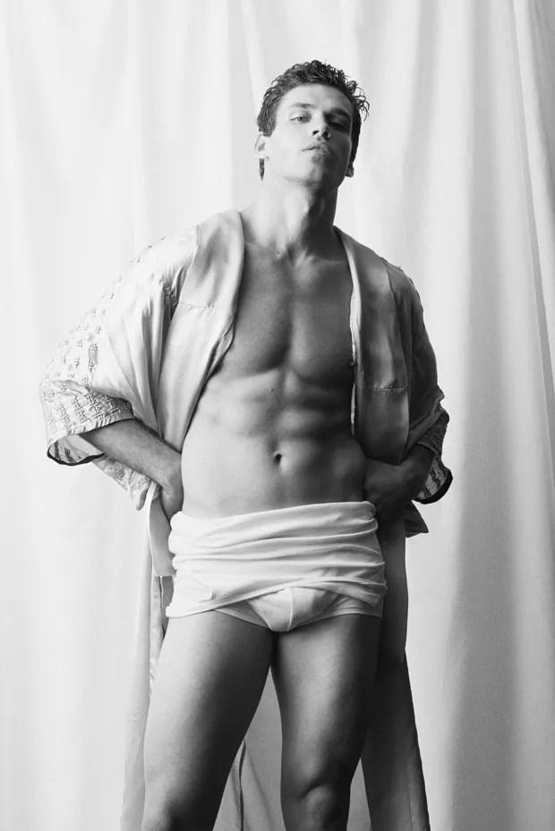 Modelo: Gabriel Loureiro/ Look: Nuasis / Make: Kamila Kim (Foto:  Pedro Pinho)