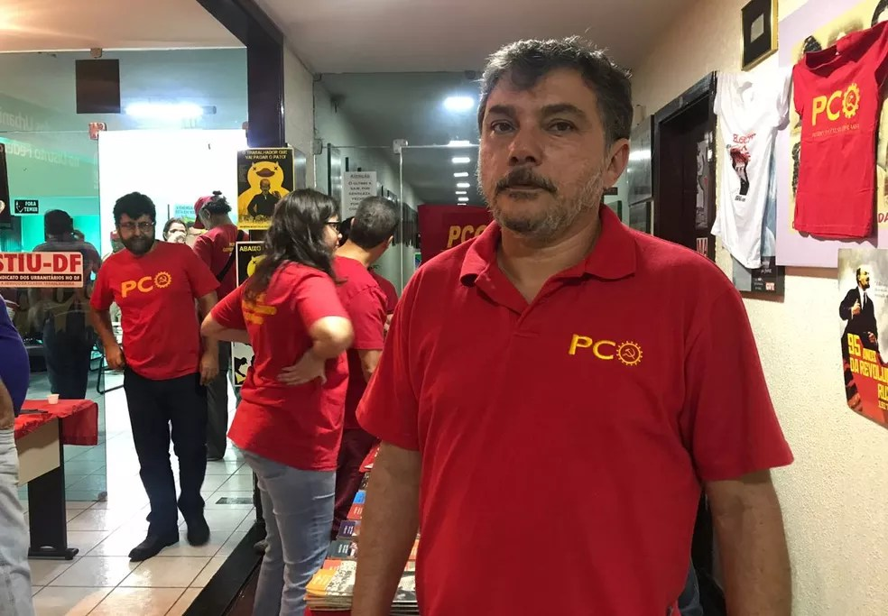 PCO anunciou a candidatura do bancário Renan Rosa ao governo do DF (Foto: Letícia Carvalho/G1)