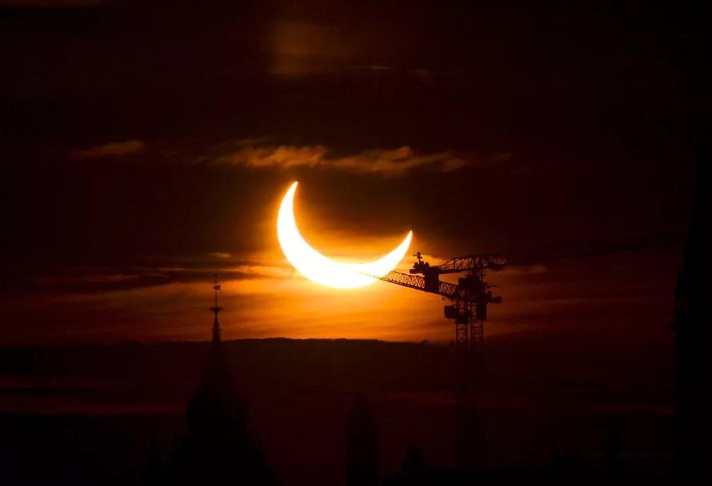 Eclipse solar anular registrado em Ottawa, Canadá, nesta quinta-feira (10)  — Foto: Sean Kilpatrick/The Canadian Press via AP