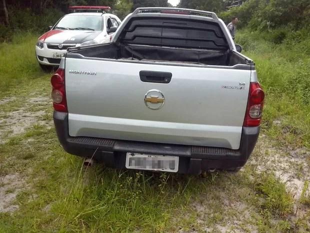 Carro de uma das vítimas foi localizado pela PM de Itanhaém com suspeitos (Foto: G1)