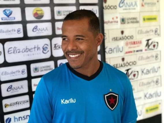 Marcos Aurélio, meia, meia do Botafogo-PB (Foto: Lucas Barros / TV Cabo Branco)