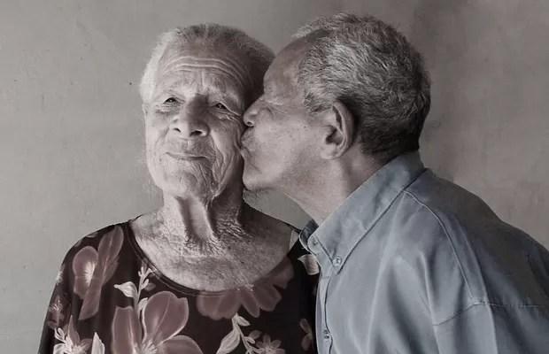 Resultado de imagem para casal idoso apaixonado