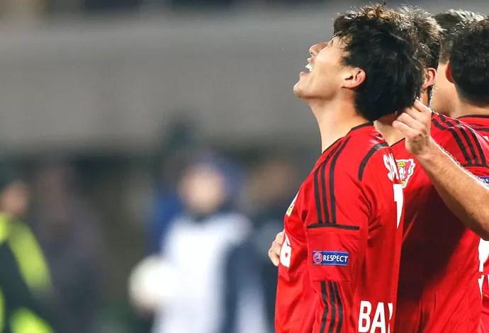 Son Heung-min comemora gol do Bayer Leverkusen contra o Zenit (Foto: Agência AP)