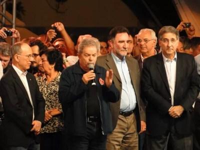 Lula participou do primeiro comício após tratamento contra o câncer e após deixar a presidência. (Foto: Raquel Freitas)