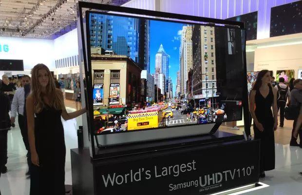 TV Samsung de ultra-alta definição com tela de 110 polegadas apresentada na feira IFA 2013, em Berlim. (Foto: Bruno Souza Araujo/G1)
