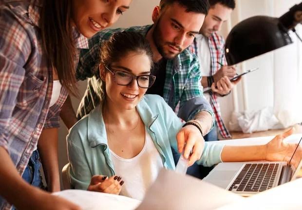 jovens no trabalho, geração y, startup, trabalho em equipe (Foto: Thinkstock)