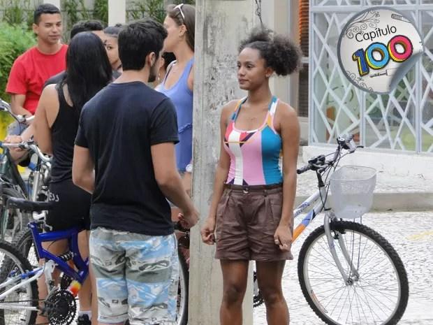 Bruno tenta, mas não consegue reconquistar Rita (Foto: Malhação / TV Globo)