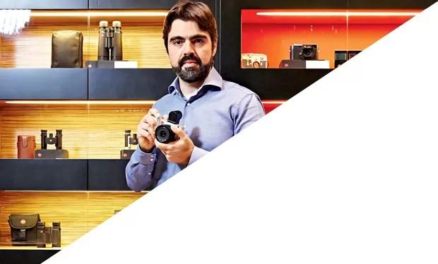 """Marinho, que vende as Leicas no Brasil: """"Mais que fotógrafos, os clientes são advogados e médicos"""" (Foto: Arthur Nobre)"""