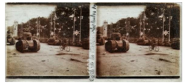 Fotografias 'duplas' foram feitas por câmera francesa de 1914 (Foto: Chris A. Hughes)