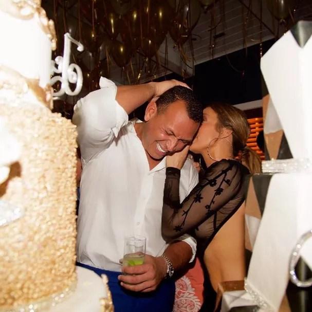 Jennifer Lopez e o namorado, Alex Rodriguez (Foto: Reprodução/Instagram)