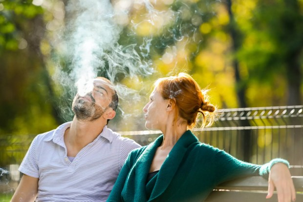 Cigarette affects fertility (Photo: Getty Images)
