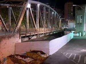 Usuários de crack saíram da Ponte Seca, em Vitória (Foto: Fernando Estevão/ TV Gazeta)