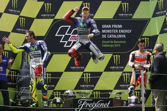 2015-06-14t134414z_185540173_gf10000127228_rtrmadp_3_motorcycling-catalunya_1 - Jorge Lorenzo vence a quarta seguida e cola em Rossi na briga pela liderança