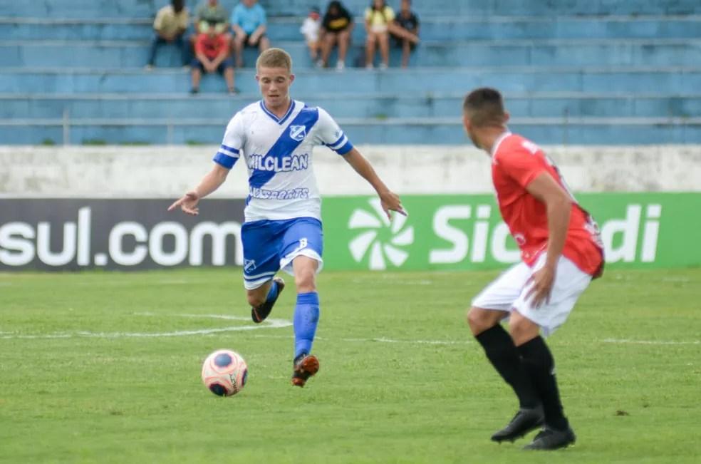 Taubaté garantiu três gols na primeira etapa  — Foto: Bruno Castilho/EC Taubaté
