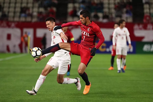 Pedro Júnior se destacou na passagem pelo futebol japonês — Foto: Kashima Antlers