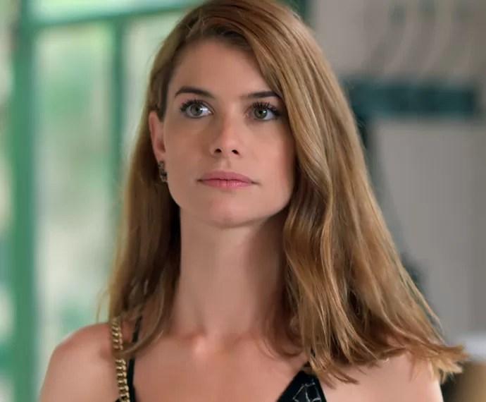 Lívia fica tensa ao ver Melissa (Foto: TV Globo)