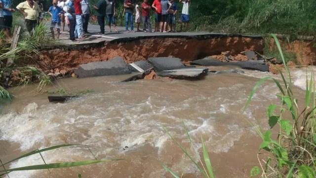 Corte da BR-316 ocorreu no km 189, entre Zé Doca e Araguanã — Foto: Divulgação/PRF