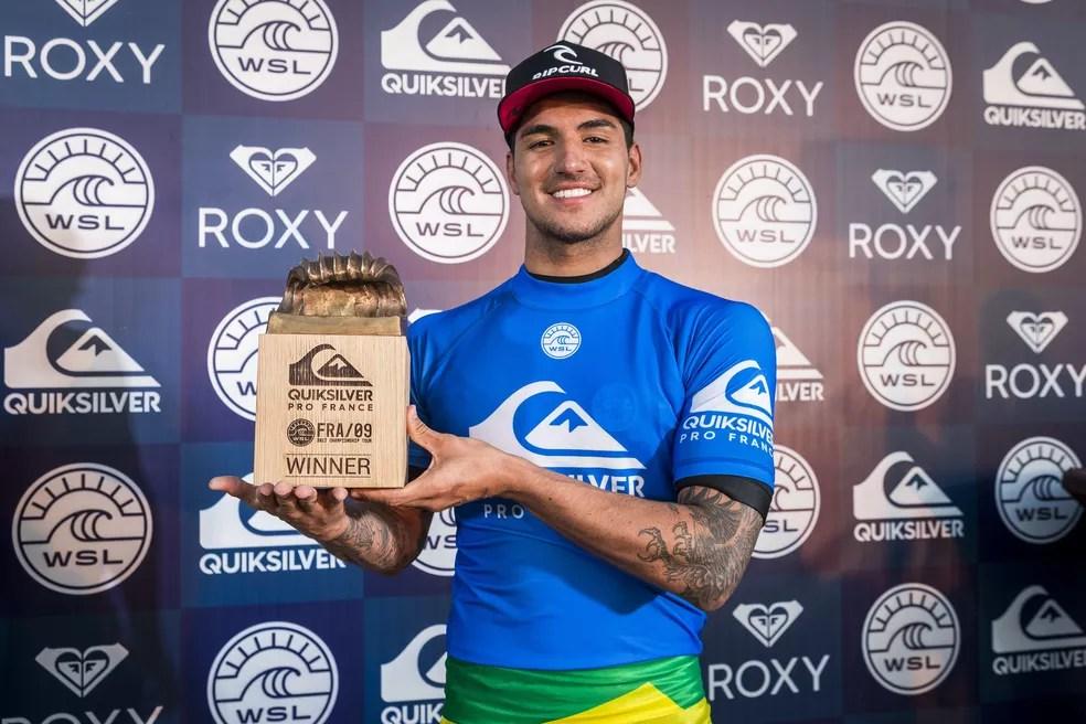 Gabriel Medina campeão na França (Foto: WSL / Poullenot)