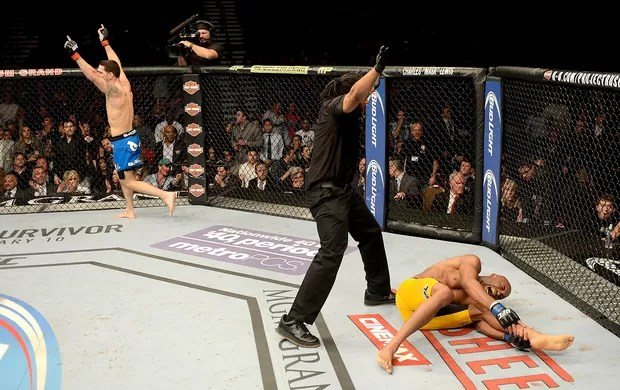Anderson Silva e Chris Weidman luta UFC Las Vegas (Foto: Getty Images)