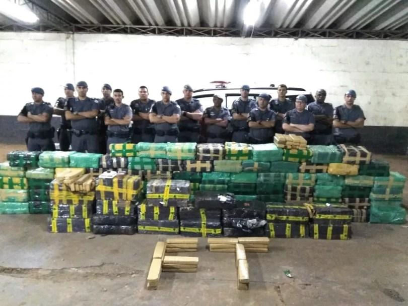 Suspeito preso afirmou à PM que fazia a distribuição da droga na região de Limeira  (Foto: Polícia Militar )