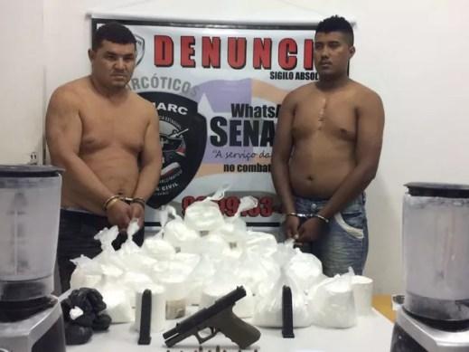 Suspeitos foram inteceptados dentro de uma espécie de laboratório de preparo de drogas (Foto: Divulgação/Polícia Civil)