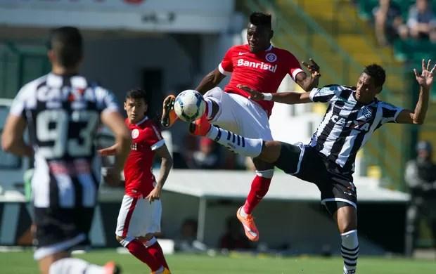 Paulão zagueiro Inter (Foto: Alexandre Lops / Divugação Inter)