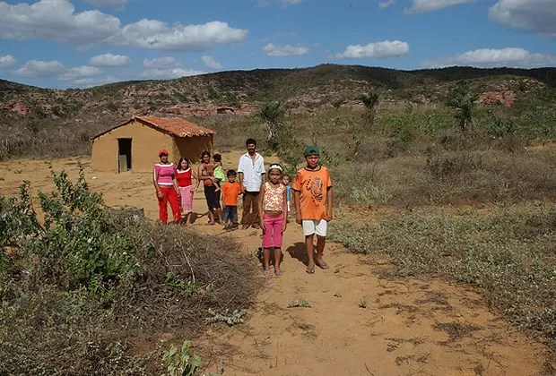 Cena cada vez mais rara – o comunismo segue destruindo famílias pelo interior através do diabólico bolsa família sertaneja