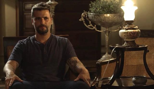 Gabriel (Bruno Gagliasso) diz que está na mira de Valentina (Lilia Cabral), na novela 'O Sétimo Guardião' — Foto: TV Globo
