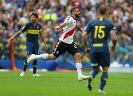 Lucas Pratto comemora gol na final da Libertadores contra o Boca Juniors: São Paulo torce pelo River — Foto: Reuters