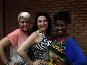 Mirna Rubim entre as finalistas Naíma e Ester Freitas (Foto: Arquivo Pessoal)