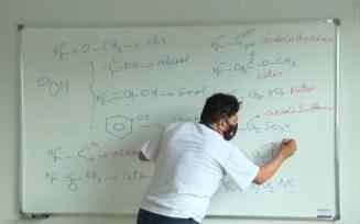 Professor Marcos Araújo ajudou jovem a entrar em universidade pública de medicina, em Goiás — Foto: Reprodução/TV Anhanguera
