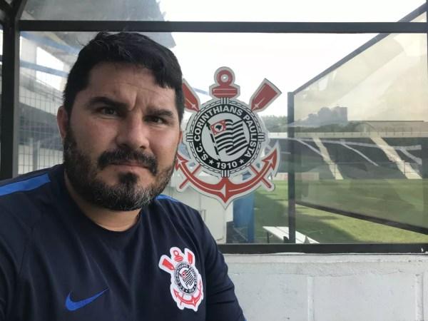 Eduardo Barroca, técnico do time sub-20 do Corinthians, em entrevista ao GloboEsporte.com — Foto: Bruno Cassucci