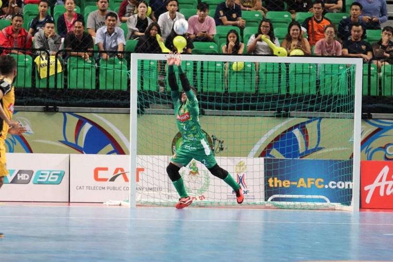 Tiago evitou empate do Carlos Barbosa em ao menos três chances claras de gol (Foto: Guilherme Mansueto/Magnus Futsal)
