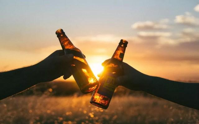 As projeções sindicam que o fornecimento de cerveja em todo o mundo deve reduzir em cerca de 16%. Segundo os pesquisadores, isto equivaleria a todo o consumo de cerveja dos Estados Unidos — Foto: Free-Photos/Creative Commons